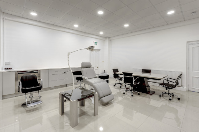 Meshkati provides proven exclusive hair restoration procedures in its state of the art centre