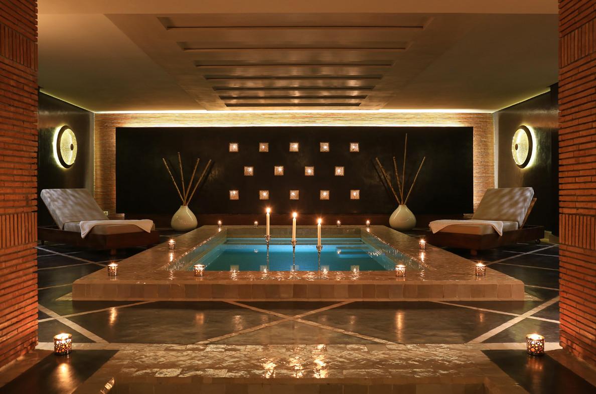 Super Luxury Hotel Definition