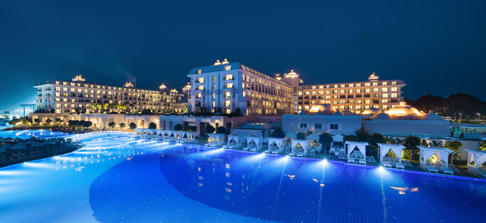 The most luxurious fully accessible hotels from around the for Luxury hotels around the world