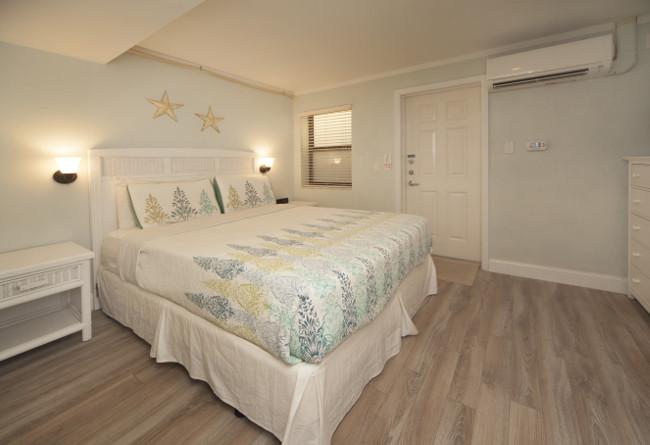 Windjammer Resort accommodation x 2