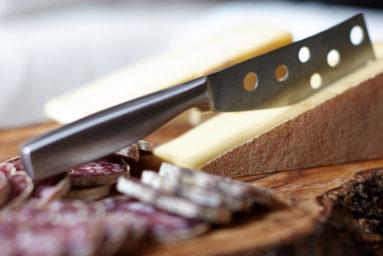 cooking-cheese-sausage-parmesan-162850