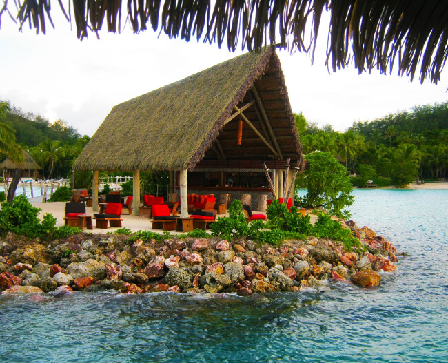 MASIMA LAGOON ISLAND BAR - LIKULIKU LAGOON RESORT - MALOLO ISLAND -FIJI-SOUTH PACIFIC