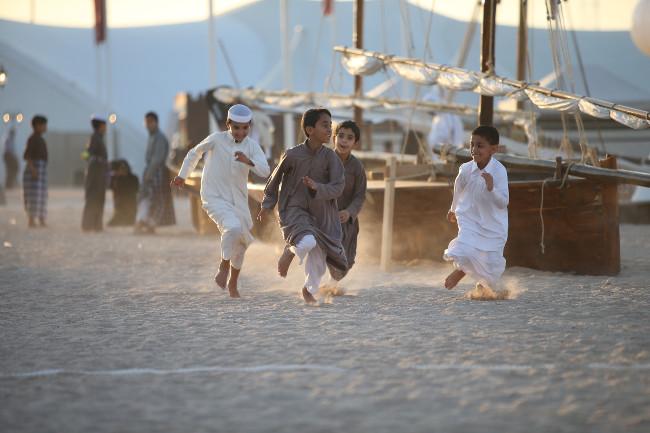 Qatari-children-on-the-beach