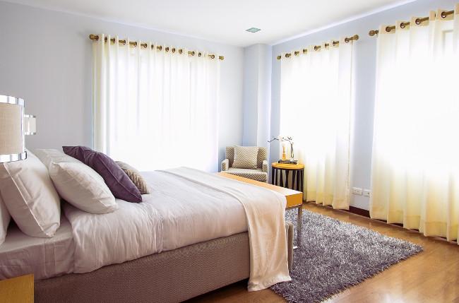 bed-bedroom-carpet