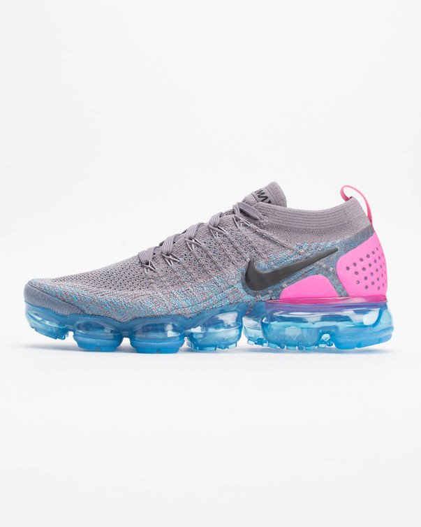 c08b664815f6 Nike Flyknit Flyknit fabric focuses on the re-design of the upper of our  classic sneakers