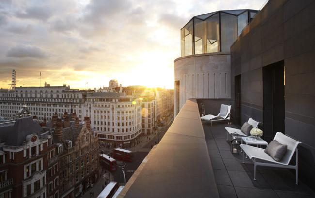 ME Suite. Terrace.