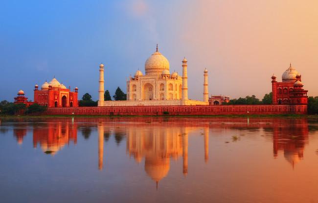 5) Discover India's Golden Triangle & The Arabian Sea