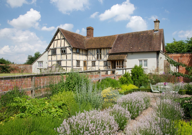 Eckington Manor, Worcestershire