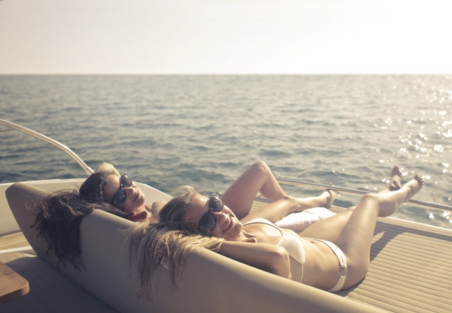 luxury-yacht-summer