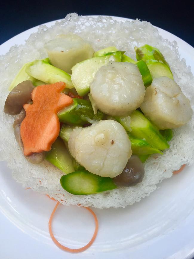 Sautéed Scallops with Fresh Asparagus (2)