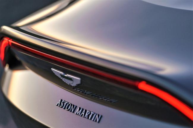 Aston_Martin_V8_Vantage_AMV_8_-_Portugal (2)