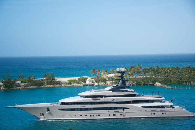 daytime-island-luxury