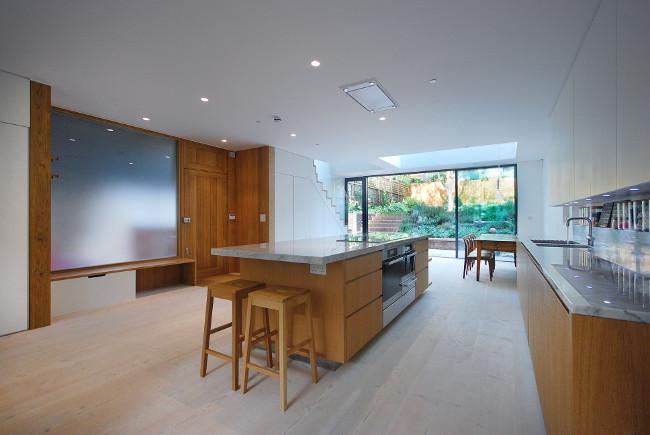 Carrara Kitchen Tops with Wood Floor (2)