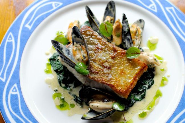 fish-mussels-wine-dish