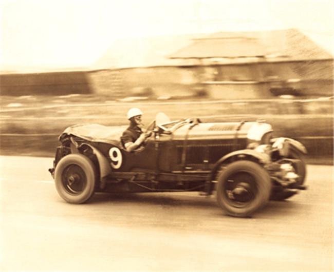 Tim Birkin drives 4.5 litre LeMans 1930