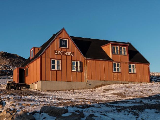tr05-DEC-Isolatedhotel-exterior