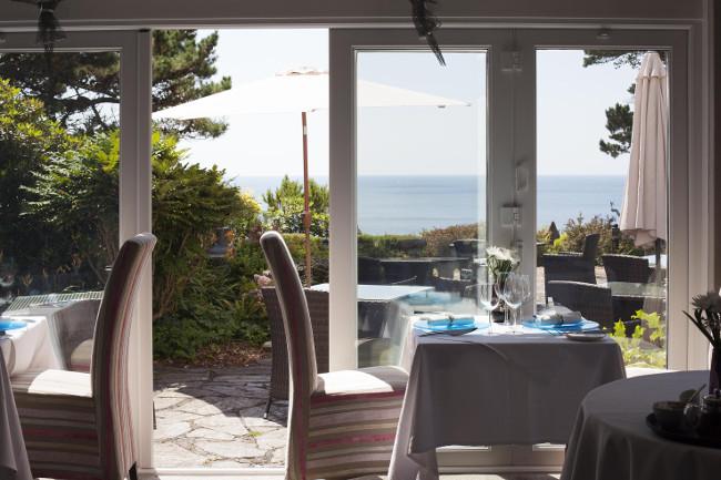 Talland Bay Hotel garden bar Kyra gin
