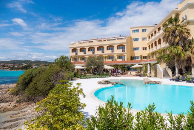 Hotel Review: Gabbiano Azzurro Hotel and Suites, Golfo Aranci in Sardinia