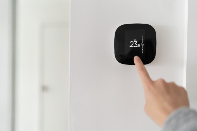 Smart home digital thermostat