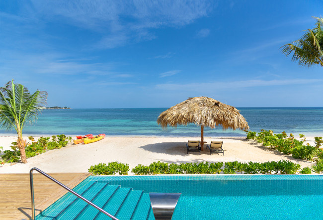 The stunning surroundings of Montego Bay and the turquoise waters of the surrounding sea is your backdrop during this luxury stay in Jamaica