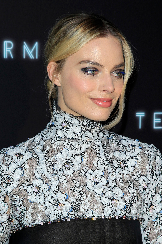 "LOS ANGELES - MAY 8:  Margot Robbie at the ""Terminal"" Premiere at the ArcLight Theater on May 8, 2018 in Los Angeles, CA"