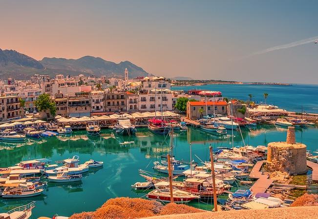 The best luxury destinations to honeymoon this year