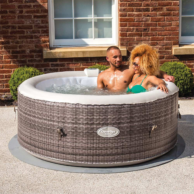 UK company first to market with mobile app to control inflatable spa