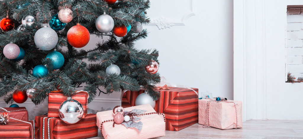 Best Artificial Christmas Trees 2019.These Are The Very Best Luxury Artificial Christmas Trees To