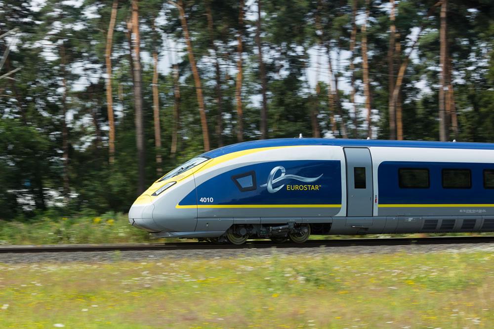 E320 train exterior-Nathan Gallagher-Eurostar-Q3-2014 35