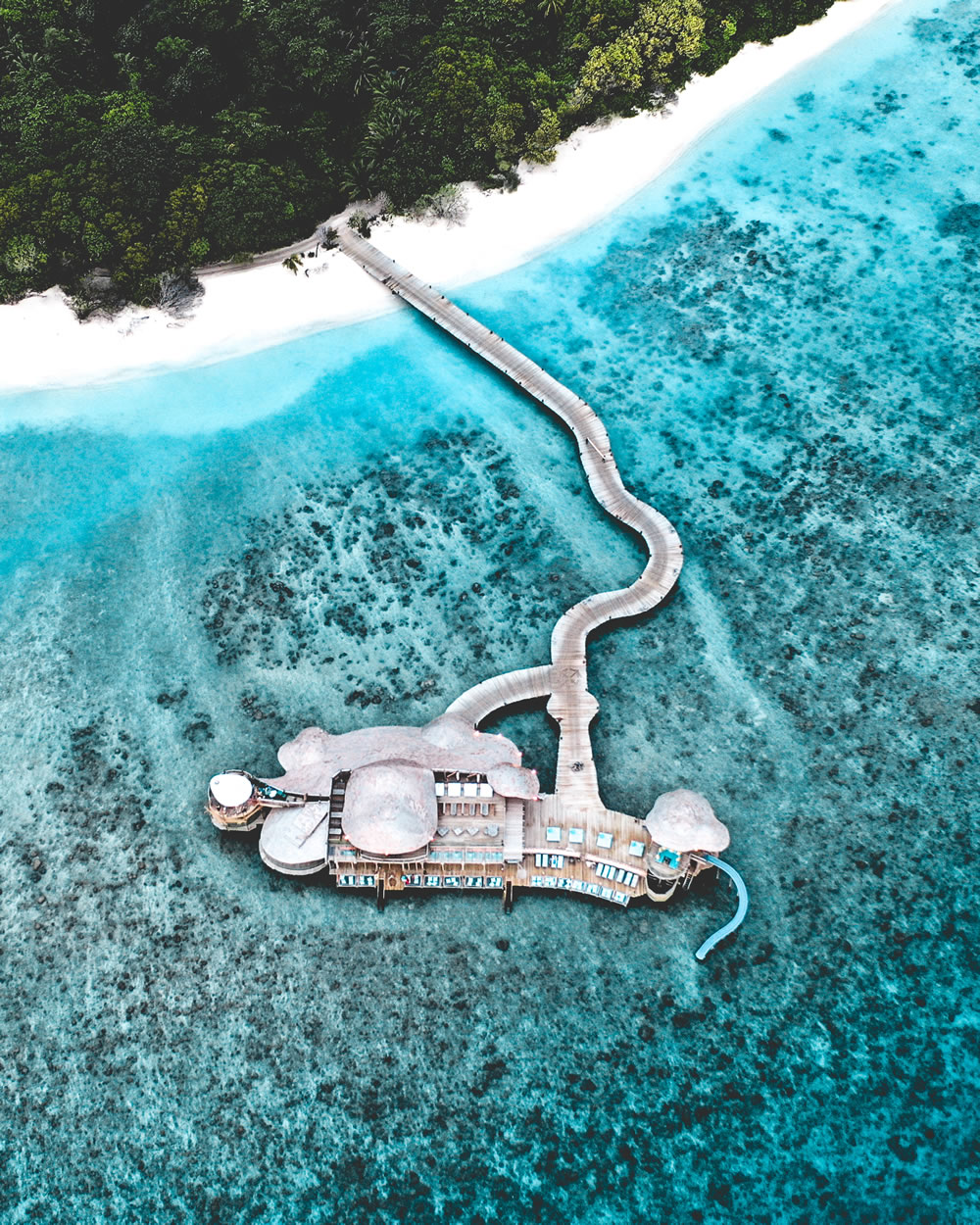 Soneva Fushi Resort- Out of the Blue overwater restauarant
