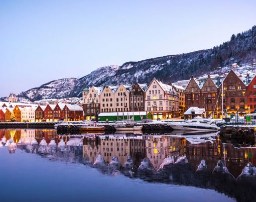 bigstock-Bergen-Norway--December----334884874