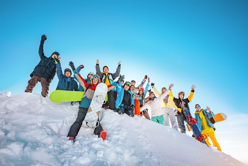 How to experience the best luxury group skiing holiday