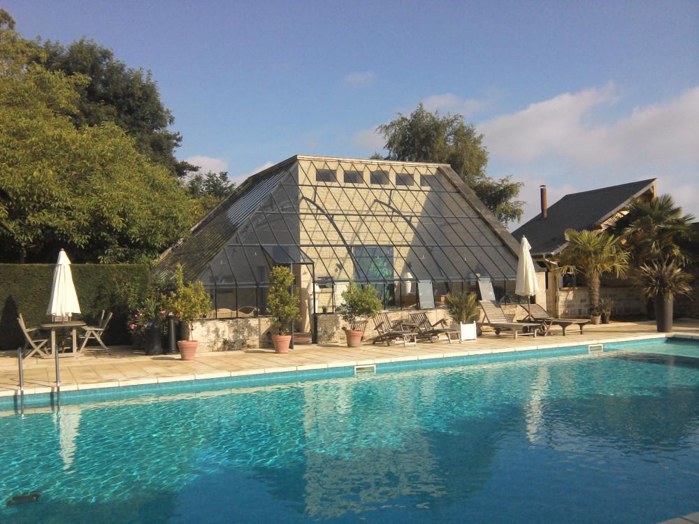 chateau la cheneviere piscine