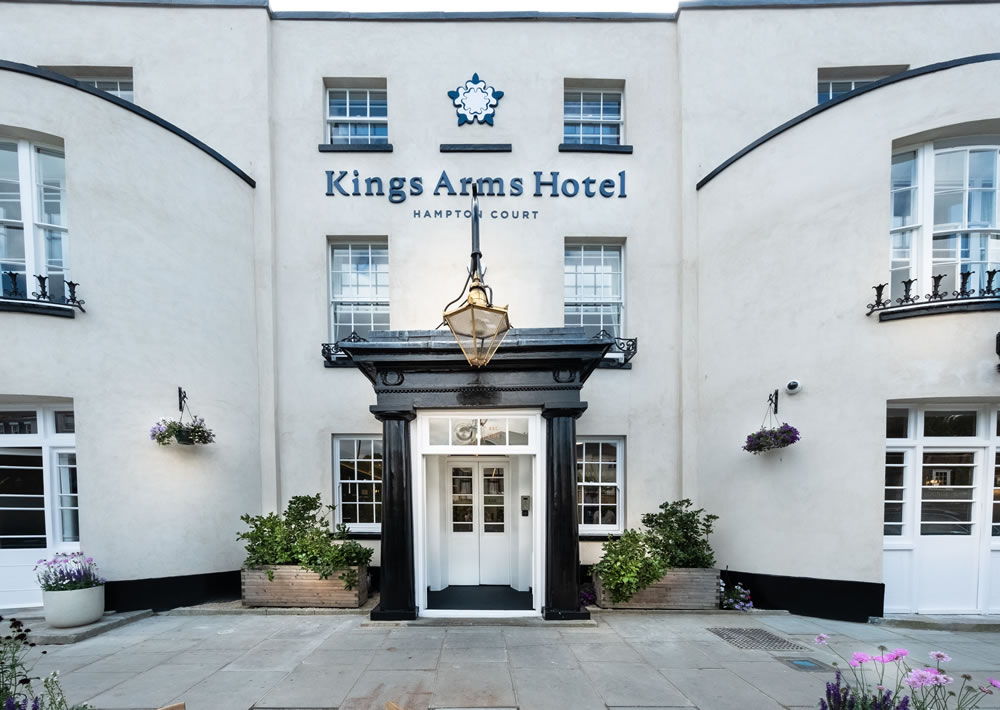 THE KINGS ARMS - exterior 2