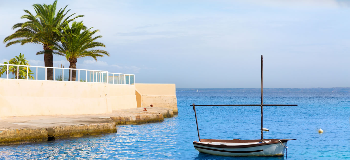 bigstock-Mallorca-Cala-Vinyes-Vinas-bea-86387843