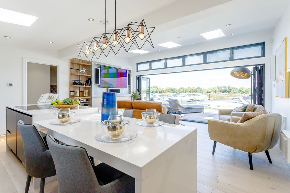 Windsor Racecourse Marina Lodges: Life's luxuries enjoyed in extraordinary real homes