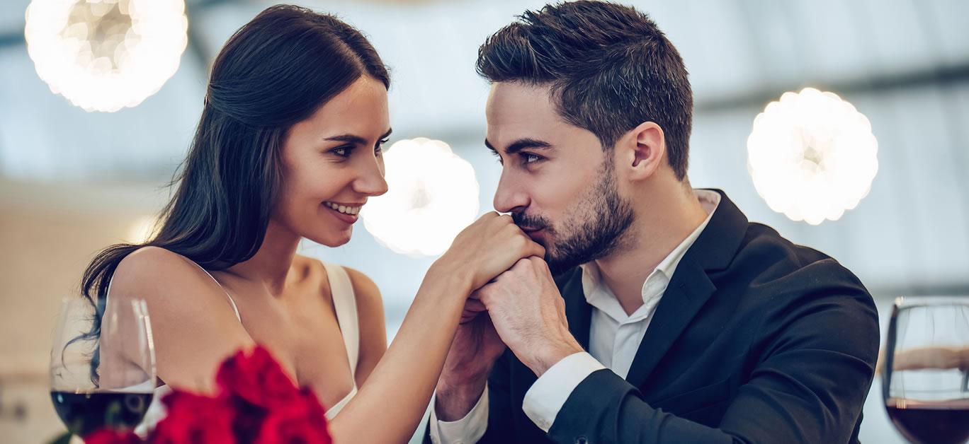 bigstock-Romantic-Couple-In-Restaurant-223373875