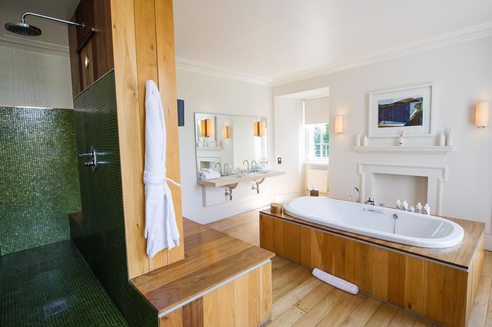 Cowley Manor bathroom