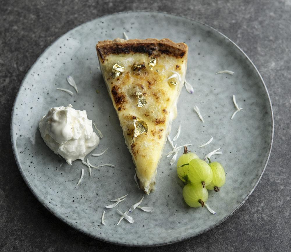 gooseberry and ederflower tart