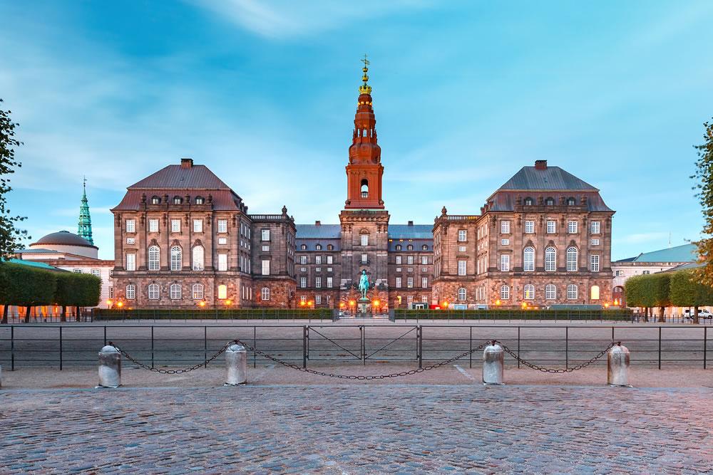 bigstock-Christiansborg-Palace-And-Gov-270070294