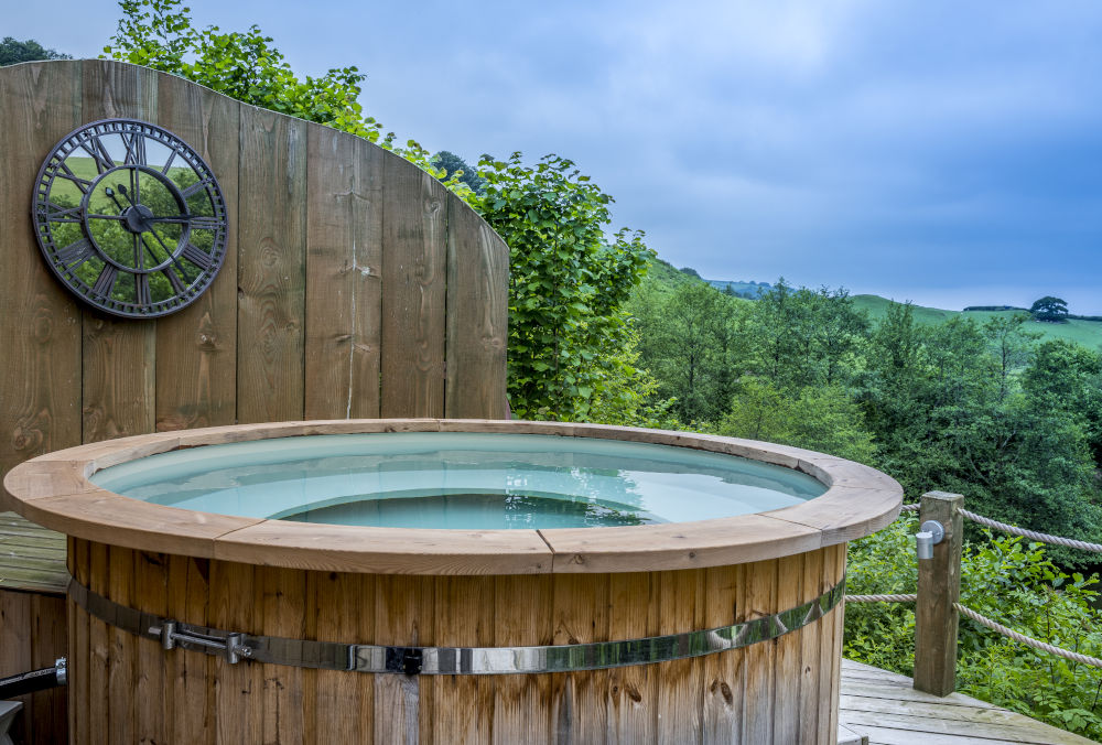 longlands hot tub