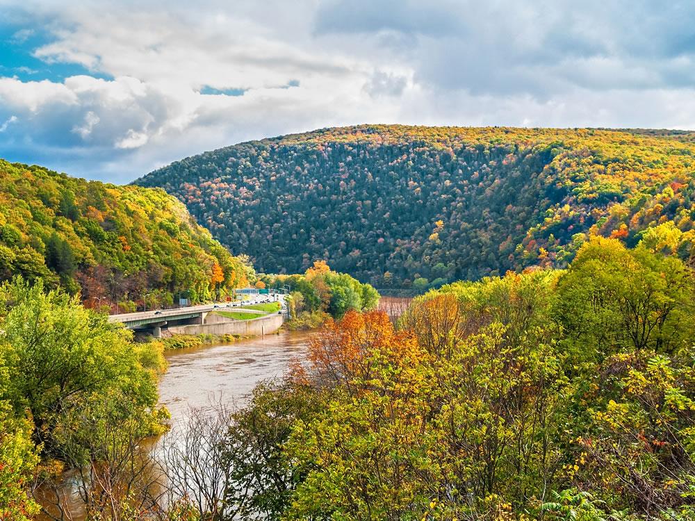 bigstock-Delaware-Water-Gap-View-119025524