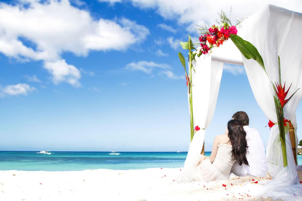 bigstock-loving-couple-on-wedding-day-n-49944125
