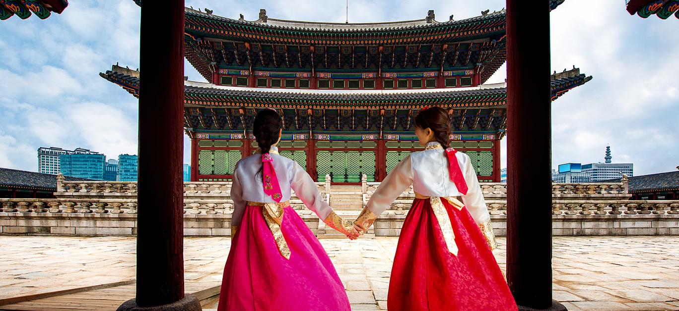 bigstock-Korean-Lady-In-Hanbok-Or-Korea-311297917