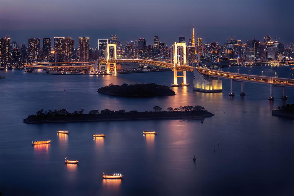 bigstock-Tokyo-skyline-with-Tokyo-Tower-337115581