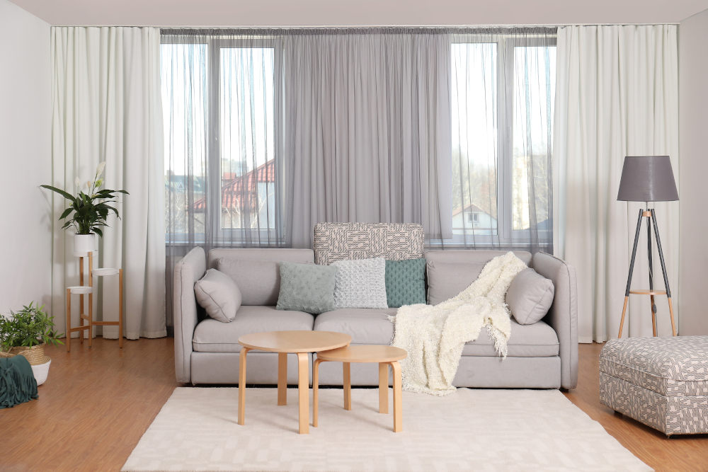 Choosing the right curtain and blind supplier for your luxury window dressings