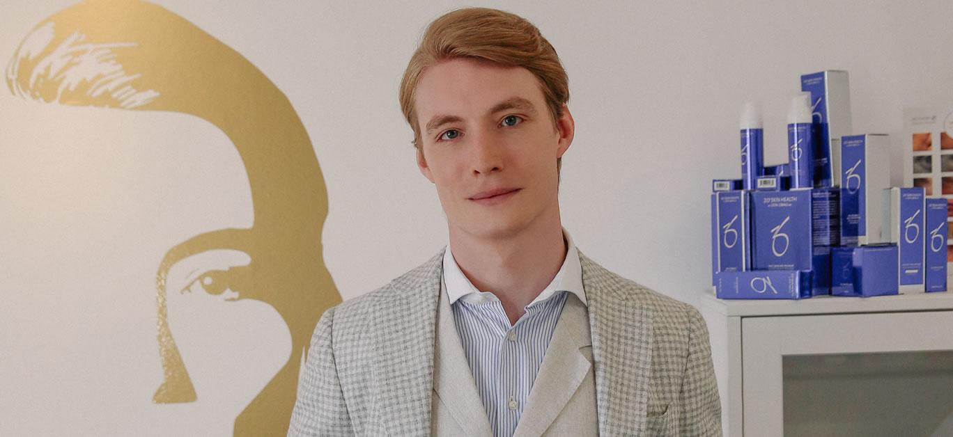 Dr Joshua Van der Aa