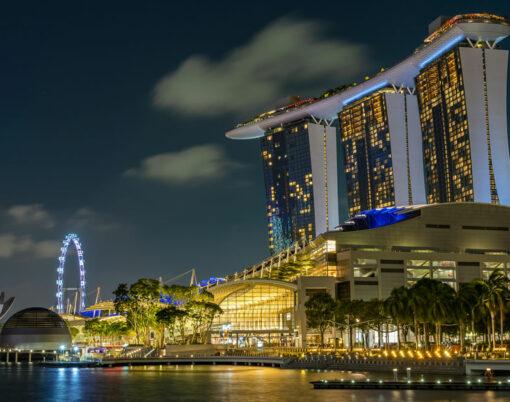 bigstock-SINGAPORE-CITY-SINGAPORE--FE-353692445