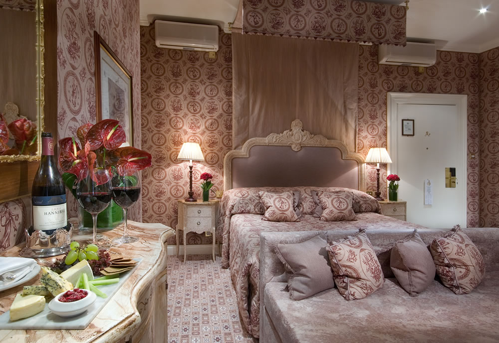 The Chesterfield Mayfair Junior Suite