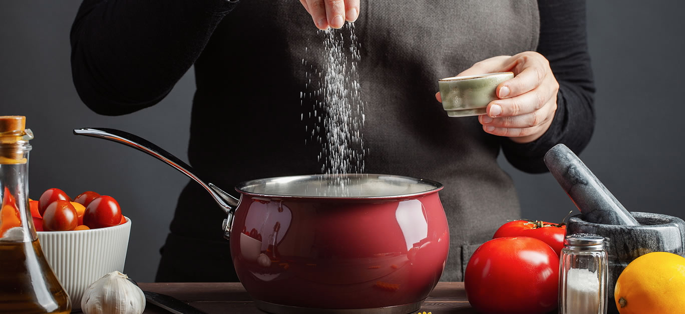 bigstock-The-Chef-Preparations-Spaghett-275346976